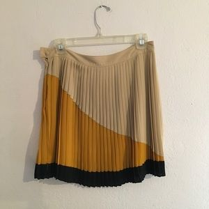 Bar lll pleated skirt size m